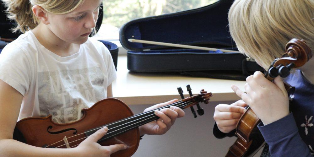 https://www.musikschule-pinneberg.de/wp-content/uploads/2020/01/Nico-Herzog_1.jpg