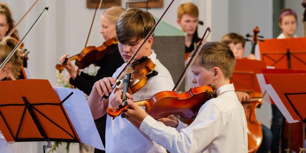 https://www.musikschule-pinneberg.de/wp-content/uploads/2019/11/Jugend-Sinfonieorchester-14.jpg