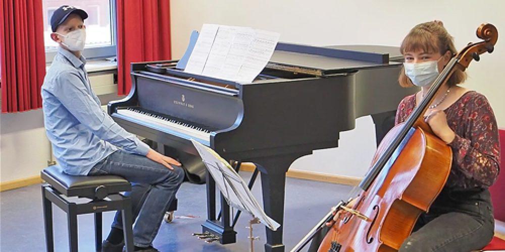 https://www.musikschule-pinneberg.de/wp-content/uploads/2021/03/musikschule-pinneberg-thumb-jmt.jpg
